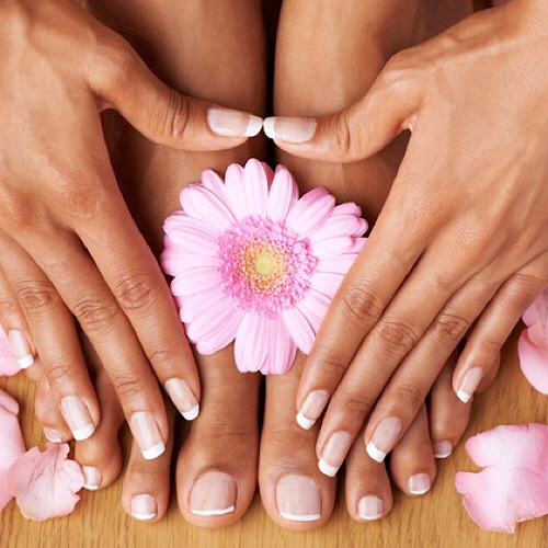 PURELUX NAILS & SPA